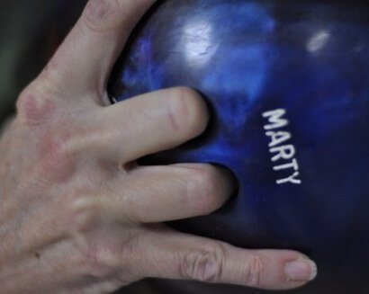 how to Grip the Bowling Properly