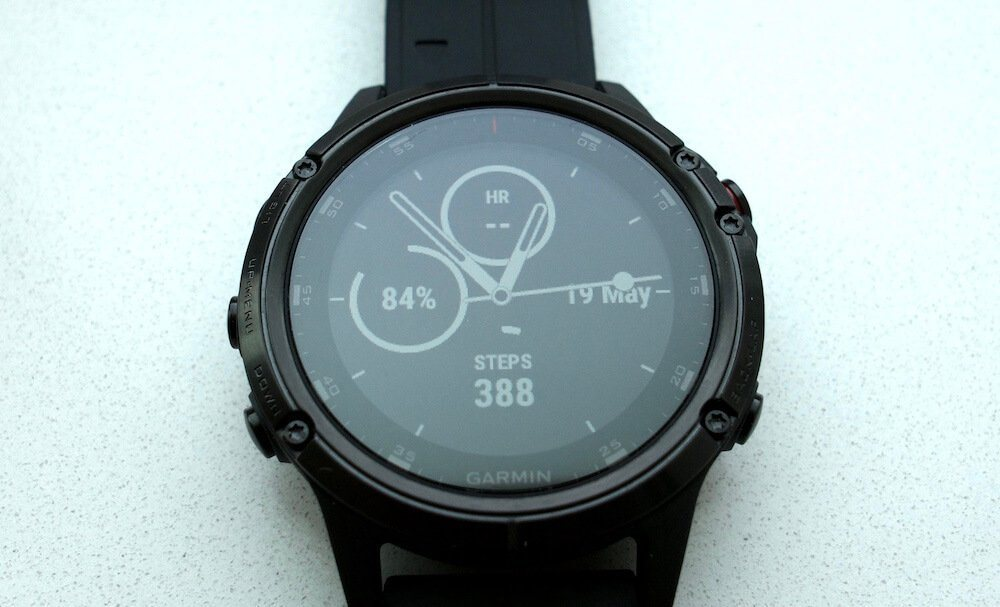Garmin Fenix 5 plus display